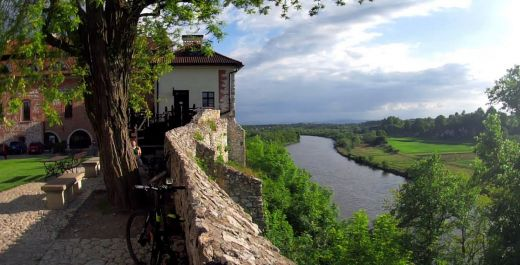Cycling route to Tyniec